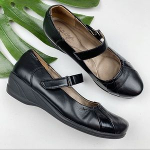 Soft Style Mary Jane Comfort Shoes 8.5 W Wide